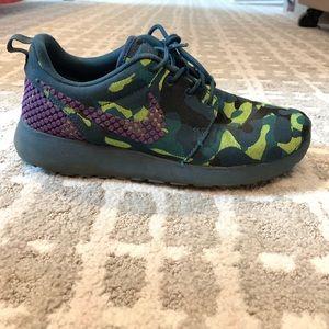 CUSTOM Nike Roshe 1's